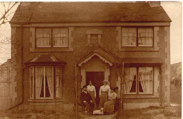 Here is a photo of William & Sarah Robinson and two daughters Isabel & Agnes (my grandmother) about 1910. I think this would be Waterworks House, Sandfields.